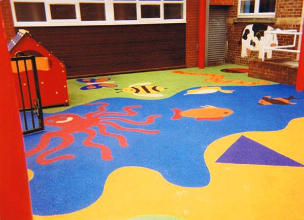 Резиновое покрытие для детских площадок на даче