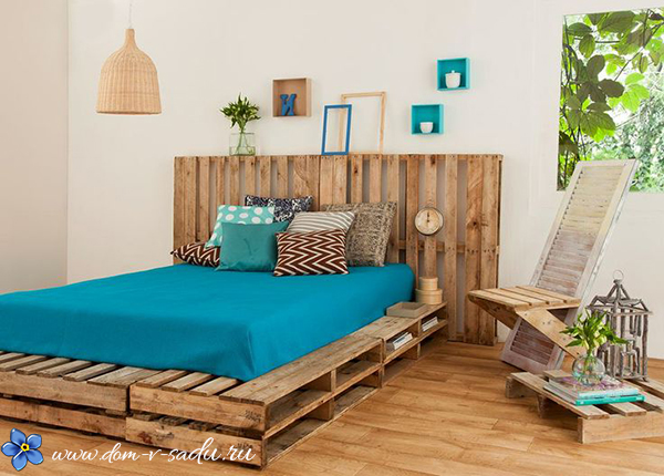 кровать из поддонов красивый дом и сад