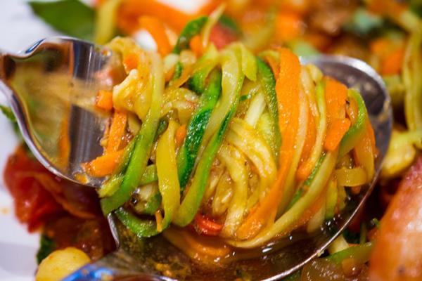 салат из кабачков на зиму Пальчики Оближешь