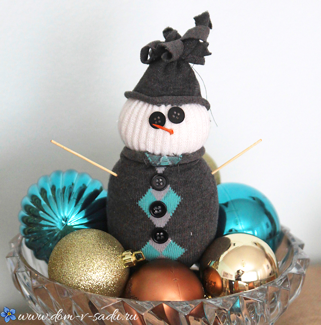 поделка снеговик из носка