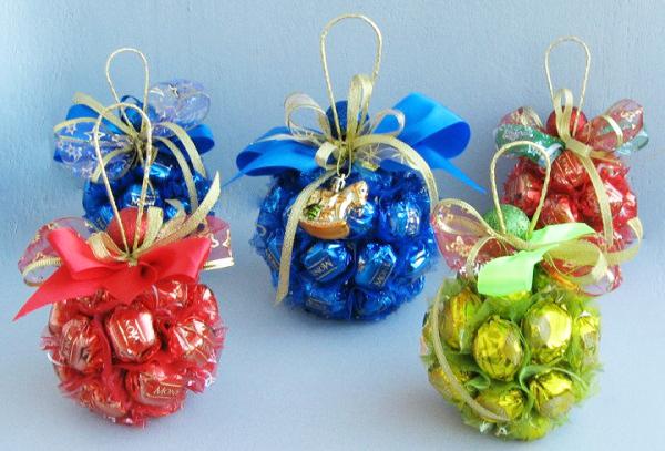 Новогодний подарки из конфет своими руками 91